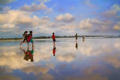 kids running at Kumta beach