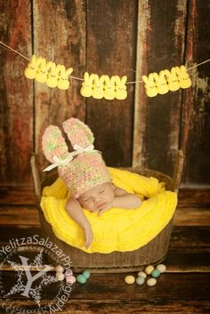 Peeps photo shoot for your Easter babies @helenmccormick