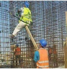 27 Funny Work Fails Pictures and Office Memes. We have amazing selected funniest memes pictures of the week Photo Ramadan, Funny Images, Funny Pictures, Fail Pictures, Funny Pics, Safety Pictures, Safety Fail, Work Fails, Programming Humor