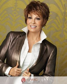 The Soft Focus wig by Raquel Welch is a beautiful long bob style that offers ultra-long bangs. Sweep the bangs to the side or style the part in a way that best appeals to you. With the monofilament to