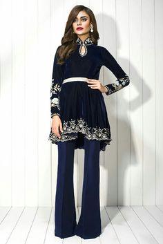 Saniya muskatiay Velvet dress....