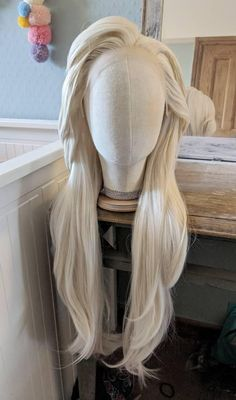 *** Please be aware that delivery times may be unreliable, and out of my control, due to the extra precautions that are surrounding *** ❄️ Elsa Frozen 2 Style Wig with Lace Front ❄️ - Elsas looser style from Frozen Ethnic Hairstyles, Up Hairstyles, Frozen Hairstyles, Lace Front Wigs, Lace Wigs, Elsa Halloween Costume, Angel Outfit, Ash Blonde Hair, Natural Blondes