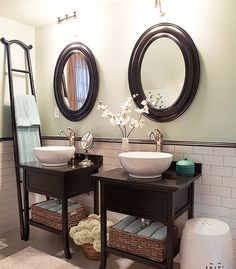 His and hers bathroom sink......LOVE this but would definitely need some storage!!!