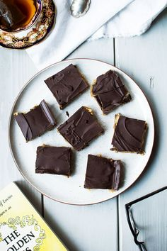 coconut cashew date bars with dark chocolate