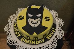 Cartoon Cakes - Batman Cake | Fondant Cake with Batman Design and Gotham Around | All Things Yummy #allthingsyummy #batman #cartoon #cakes