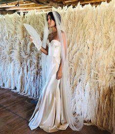 Bridal goddess in silk vintage fur and feathers. Wedding Goals, Boho Wedding, Wedding Day, Dream Wedding Dresses, Bridal Dresses, Ruffles Bridesmaid Dresses, Wedding Designs, Wedding Styles, Anna Kara