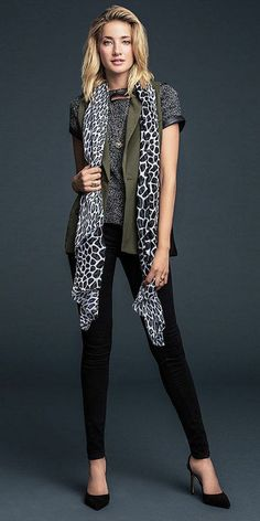 SCARF!! Black and white giraffe