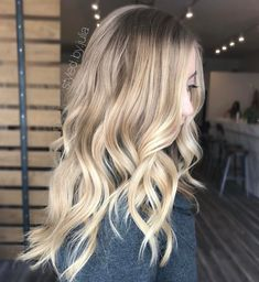 """167 mentions J'aime, 5 commentaires - Julia Argon (@styled.by.julia) sur Instagram : """"//Buttery Blonde// Oh, did I mention we balayaged her hair 9 months ago and only did a haircut…"""""""