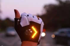 Smart innovations are always appreciated. Like this indicator by Zackees! More pics and a video on http://racefietsblog.nl/richtingaanwijzer-voor-op-de-fiets/