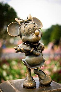 Minnie Mouse Bronze