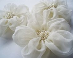 How To Make Tulle Flowers ~ hand stitched flowers, average diameter of 10cm