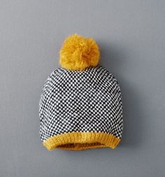 Invest in knitted hats and scarves this season! Experience the French design with new looks and get inspired by Promod's hats, scarves and snoods. Knitting For Kids, Loom Knitting, Knitting Projects, Baby Knitting, Crochet Projects, Knitting Patterns, Crochet Patterns, Stitch Witchery, Knitting Accessories