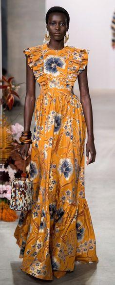 Ulla Johnson Fall 2019 Ready-to-Wear Fashion Show Collection: See the complete Ulla Johnson Fall 2019 Ready-to-Wear collection. Look 18 African Wear, African Dress, Look Fashion, Fashion Outfits, Fashion Trends, Couture Fashion, Dress Fashion, Fashion Fashion, Runway Fashion