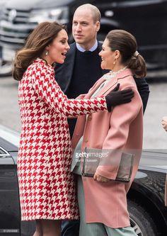 News Photo : Catherine, Duchess of Cambridge greets Crown...