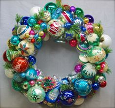 Old-Fashioned Christmas Wreath How-to. Love Xmas stuff like this! #christmas #wreath #ornaments