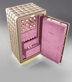 Luxury Safes don't exist only in dreams or movies, we provide you this Luxury Safes ideas to decorate your room. See more here clicking on the image. Home Goods Furniture, Handmade Furniture, Luxury Furniture, Luxury Interior, Interior Design, Jewely Organizer, Harry Potter Jewelry, Bookmarks Kids, Home Office Chairs