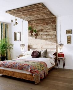 Diy wood headboard designs attractive best reclaimed wood headboard ideas on amazing cool wood headboards interior . Boho Chic Bedroom, Dream Bedroom, Home Bedroom, Bedroom Decor, Bedroom Ideas, Bedroom Wall, Bedroom Furniture, Bohemian Room, Bedroom Apartment