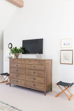 How to incorporate a tv in design, how to use a tv in interior design