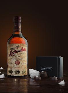 Matusalem Gran Reserva 15 y chocolate, la mejor combinación, lista para llevar! en este kit que comercializa esta marca cubano-dominicana. 1 botella de ron y selección de bombones para maridar.m