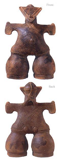 "ALIA BILGRAMI Natural elegance  [Jomon-era. [Goddess on mask]   Japanese ceramic figurine ""DOGU"".   B.C.4500 - 3200.   This figurine was unearthed on Nakappara Nagano Japan]"