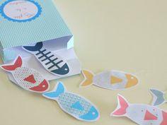 des petits poissons - et leur boîte - pour créer un jeu de pêche à la ligne tout simple (un trombone pour chaque poisson, un aimant au bout d'une ficelle accrochée à un bâton, et voilà de quoi jouer pendant des heures !), mais ces jolies sardines se feront poissons d'avril, étiquettes cadeau ou encore tags sur pages et cartes... bref, là encore, c'est comme vous voudrez ! Diy For Kids, Crafts For Kids, Arts And Crafts, Origami Paper, Diy Paper, Little Fish, Happy Easter, First Birthdays, Embellishments