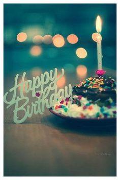 かわいい画像でお祝い!SNSでよろこばれる誕生日おめでとうロゴ35選 (2ページ目) MERY [メリー]