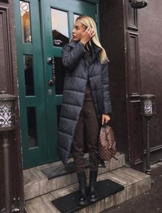 Trendy moda damska sukienki 2019 ideas - Lilly is Love Cold Weather Outfits, Fall Winter Outfits, Autumn Winter Fashion, Winter Clothes, Mode Ootd, Long Puffer Coat, Puffer Coats, Outfit Invierno, Winter Looks