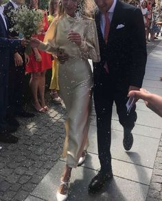 "lilgivenchyprincess: ""My wedding look "" Wedding Goals, Wedding Pics, Wedding Styles, Wedding Dresses, Perfect Wedding, Dream Wedding, Wedding Day, Bridal Looks, Bridal Style"