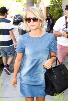 Full sized photo of Julianne Hough: Blue Jean Dress for Il Pastaio Lunch and julianne hough il pastaio Check out the latest photos, news and gossip on celebrities and all the big names in pop culture, tv, movies, entertainment and more. Short Thin Hair, Short Hair Cuts, Short Hair Styles, Mode Outfits, Fall Outfits, Julianne Hough Short Hair, Blue Jean Dress, Corte Y Color, Hair Styles 2016