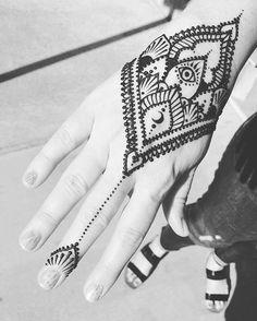 #comesitwithme 16 Tattoo, Henna Tattoos, Tatoos, Henna Ideas, Henna Designs, Cabana, Hand Henna, Mehndi, Muse