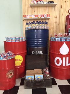 Classic Oil and Diesel Barrels as party decorations Hot Wheels Birthday, Hot Wheels Party, Race Car Birthday, Race Car Party, Car Themed Parties, Cars Birthday Parties, Ferrari Party, Retirement Party Themes, Vintage Car Party