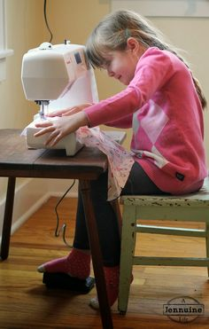 Tiny Sewists: Teaching Kids to Sew :: Lesson 5