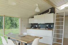 Una casa prefabbricata molto luminosa, costruita con materiali naturali.