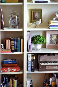 Astounding 40+ Most Popular Bookshelf Decorating Ideas for Your Home https://freshouz.com/40-most-popular-bookshelf-decorating-ideas-for-your-home/