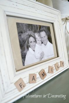DIY: Frame with Scrabble Tiles (sand an old frame, brush on matte white paint, and add burlap over an inlay) Scrabble Kunst, Scrabble Tile Art, Scrabble Frame, Unique Picture Frames, Picture Frame Crafts, Homemade Picture Frames, Scrabble Letter Crafts, Crafts With Scrabble Tiles, Scrabble Ornaments