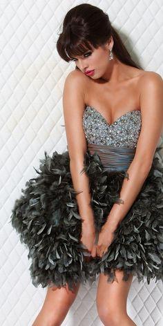 Резултат со слика за photoos of   feathery dresses