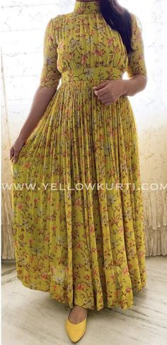 Kurta Designs Women, Kurti Neck Designs, Kurti Designs Party Wear, Blouse Designs, Stylish Dresses, Fashion Dresses, Frock Fashion, Long Dress Design, Kalamkari Dresses
