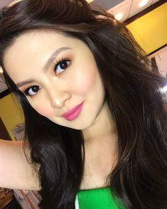 Barbie Forteza READY for #SPSXmasFeels Hair & Make Up : @fhaty_mercado05 #BarbieForteza #SundayPinaSaya #GMA #Artist #Celebrity #AwardWinning #PrimetimePrincess #Actress #Host Prime Time, Pinoy, Hair Makeup, Barbie, Make Up, Celebrity, Skin Care, Actresses, Princess
