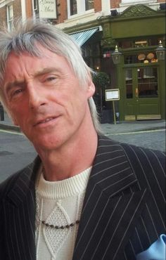 Love this guy! I have met him 3 times and each time made my heart sing! The Style Council, Paul Weller, Rock News, Him Band, Mod Fashion, Listening To Music, Punk Rock, The Man, Men Dress