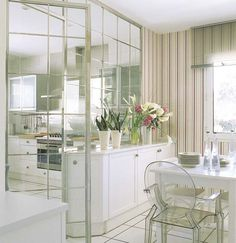 love the glass partition Kitchen Interior, Home Interior Design, Interior Styling, Kitchen Decor, Kitchen Design, Interior Decorating, Estilo Interior, Glass Partition, Striped Walls