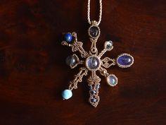 Pendantif en macramé et autres magnifiques bijoux|ARTEMANO(アルテマノ)