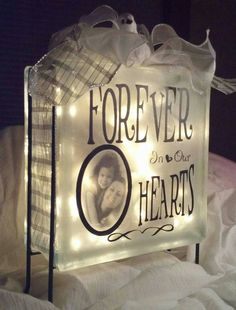 Memorial Glass Block by PeriwinkleArtistry on Etsy Glass Cube, Glass Boxes, Vinyl Crafts, Vinyl Projects, Yarn Crafts, Wood Crafts, Glass Block Crafts, Lighted Glass Blocks, Memory Crafts