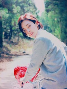 #7 - Jeonghan from Seventeen. When  I saw him at Kcon NY, I was like 15 feet away from him and it was seriously like staring at the sun. He was unreal in person. Like a porcelain doll.