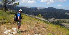 Voor de wandelliefhebber die het adembenemende landschap in het achterland van de Costa Blanca wil ontdekken, en ook de cultuur van het authentieke Spanje wil beleven, verzorgen wij samen met een professionele gids wandelingen in Jalón, en door de natuur van de Sierra Bernia. 100% mediterrane sfeer en cultuur, 300 zonnige dagen per jaar én een mild klimaat met een gemiddelde temperatuur van zo'n 18 graden...dat zijn volgens ons genoeg redenen om dit fantastische gebied te komen verkennen!