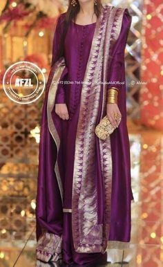 Simple Pakistani Dresses, Pakistani Dress Design, Indian Dresses, Indian Outfits, Pakistani Fashion Party Wear, Pakistani Wedding Outfits, Indian Fashion, Stylish Dresses, Fashion Dresses