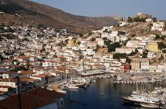 One of the most picturesque islands of Greece, Hydra is accessible in only 2 hours ferry ride from Athens. Mykonos, Santorini, Most Romantic Places, Creta, Greece Islands, Greece Travel, Beach Fun, Beautiful Islands, Vacation Spots