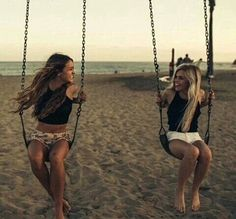 best friend best friend photography, friend pictures, b Sister Beach Pictures, Tumblr Summer Pictures, Cute Friend Pictures, Summer Photos, Beach Pics, Best Friends Shoot, Best Friend Poses, Cute Friends, Beach Friends