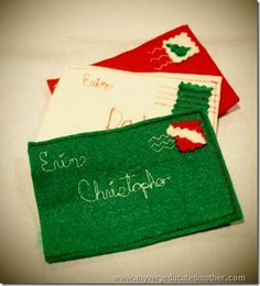 Felt Envelope Gift Card Holders - A simple sewn Christmas craft that you can make in minutes. Such a creative way to give gift cards.