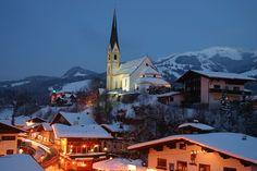 Kirchberg Places Ive Been, Places To Go, Tirol Austria, Church Building, Apres Ski, Winter Photos, Travel Memories, Kirchen, Alps
