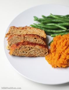 Easy Chicken Meatloaf (gluten free) - only 282 calories! Don't feel like turning on the oven? Grill it!